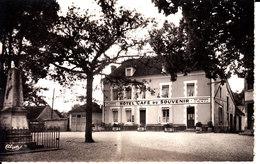 89 . Yonne :  Gurgy  : La Place .  ( Café Du Souvenir ) . - Gurgy