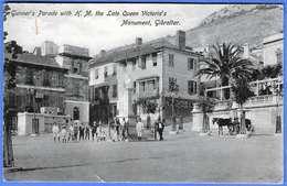 RAR! GIBRALTAR (Britisches Überseegebiet), Gunner's Parade With H.M. The Late Queen Victoria's Monument, 1914, Schöne .. - Gibraltar