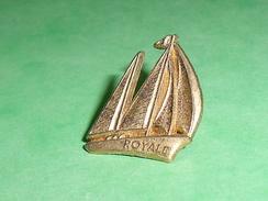 Pin's / Bateaux : Bateau , Voilier , Royale   TB2U - Boats