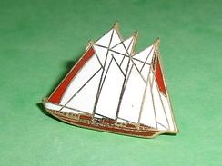 Pin's / Bateaux : Bateau , Voilier   TB2U - Boats