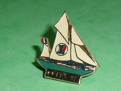 Pin's / Bateaux : Bateau , Voilier , Brest 92  , Leclerc    TB2U - Boats