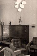 Photo Originale Mobilier Vintage - Ambiance Salon & Living Vers 1970 - Lustres & Appliques, Objets De Déco - Objets