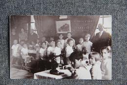 CLERMONT L'HERAULT - Repas Des Enfants ( Noté En Relief Sur La Carte, Portraits D'ART, Mac Du CAMP, CLERMONT L'HERAULT). - Clermont L'Hérault