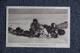 QUEBEC (NASKAPIE) - Mission Des Pères OBLATS, Missionnaire Chaussant Ses Chiens Contre Les Aspérités De La Glace - Québec - Les Rivières