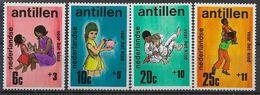 1970 ANTILLES NEERLANDAISES 412-15**  Enfance, Tirelire, Cochon, Judo - Curacao, Netherlands Antilles, Aruba