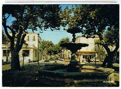 84..PERTUIS  - LA  FONTAINE   + CITROEN  MEHARI + MERCEDES  230  SL  BE - Pertuis
