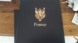 LOT 381764 ALBUM ET ETUI DAVO LUXE TIMBRE DE FRANCE VIDE DE 2001 A 2006   PORT A 10 EUROS - Timbres