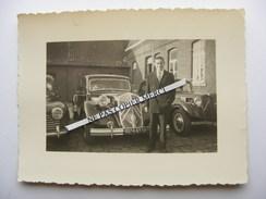 Homme Devant Une Citroen Traction 15/6 + Une Autre Traction Photo Originale Cliché Amateur - Automobili