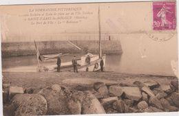 Saint Vaast La Hougue Le Port De L'ile Le Robinson - Saint Vaast La Hougue