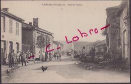 SAINT - URBAIN : RUE DE POISSONS . ( TRES ANIMEE ) . - France