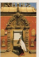 Nepal Bhadgaon La Porte Du Palais Royal (LOT BA) - Népal