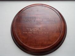 MAZDA Training Center Grand Opening 29 April 1993 ( Houten Bord ) Formaat +/- 33 Cm. / 540 Gram ( Zie Foto's ) ! - Voitures