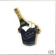 Pin's Boisson - Champagne / Nicolas Feuillatte. Non Estampillé. Zamac. T565-05 - Beverages