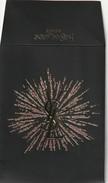 Yves Saint-Laurent  Superbe Enveloppe De NOEL Siglée YSL Décorée D'une étoile Pailletée - Cartes Parfumées
