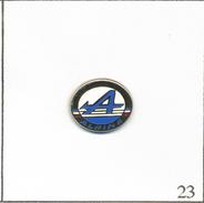 Pin's Automobile - Logo Alpine- Taille : 11 X 14 Mm. Non Estampillé. Zamac. T567-23 - Renault