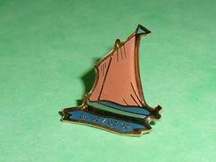 Pin's / Bateaux : Voilier      TB2U - Boats