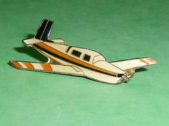 Pin's / Avions  : Avion   TB2U - Airplanes