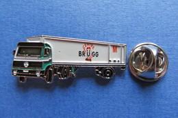 Pin's, Camion, MERCEDES,Truck, LKW, MIGROS, Centre Brügg, Limité - Mercedes