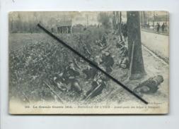 CPA Abîmée  - La Grande Guerre 1914 - Bataille De L'Yser - Avant Poste Des Belges à Nieuport - Militaire , Soldat - Militaria