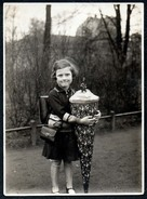 B0468 - Kleines Mädchen Mit Ranzen Brottasche - Schulanfang Zuckertüte Schultüte 1933 TOP - Photographie