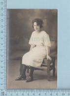 Photo Reel - Papier Azo Cir: 1930, Jeune Femme, Coiffure, Soulier - Carte Postale Postcard - Photographie