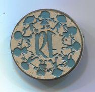 RE / Volunteering For Children - Vintage Pin, Badge, Abzeichen, Bertoni, D 30 Mm - Associations