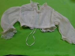 Haut De Robe  De Bapteme)-------a Restaurer (je Vends Des Robes De Communainte Pour Restauration) - Baptism