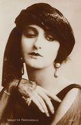 CINÉMA : VIOLETTA NAPIERSKA - CARTE VRAIE PHOTO / REAL PHOTO POSTCARD ~ 1920 - '30 - CINÉMAGAZINE / PARIS (ab355) - Acteurs