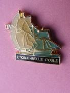 PIN'S  BATEAU ETOILE  BELLE  POULE     -   Bâteau, Planche, Voile   (134) - Boats