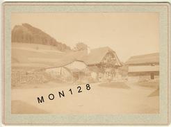 SUISSE BERNE GUGGISBERG 1892 FERME PHOTO TIRAGE ALBUMINE COLLEE SUR CARTON - Photos