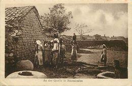 Pays Div-ref K514- Macedoine - An Der Quelle In Macedonien -/ Leger Pli Coin Bas Gauche De La Carte - - Macedonia