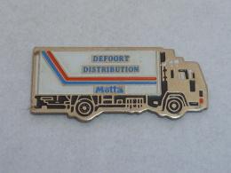 Pin's TRANSPORTS DEFOORT - Transportation