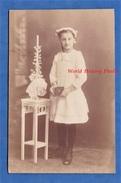CPA Photo - WALDSHUT - Portrait D'une Petite Fille - Photographe Carl Deiss - Girl Pose Enfant Robe Mode Cierge - Waldshut-Tiengen