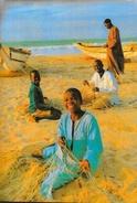 Gambie - The Gambia - Fishermen On The Beach (pêcheurs Sur La Plage) - Carte Non Circulée - Gambia