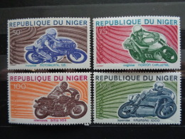 NIGER  1976 Y&T  N° 369 à 372 ** - MOTOS, SUJETS DIVERS - Niger (1960-...)