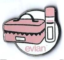 EAU - EVIAN - EV15 - VANITY CASE - Verso : SUCCES - Beverages