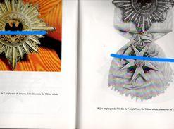 Symboles Et Traditions N°198 - Badges & Ribbons