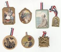 Petit Lot De 5 Insignes En Carton Et 2 Petite Palques Métalique - Journée Nationale Des Tuberculeux - Anciens Militaires - Otros