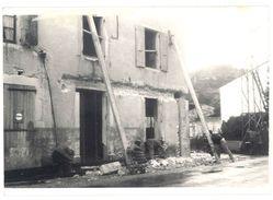 Photo Amateur Maison En Ruine, Garage ? Pub Plaque émaillée Fulmen - Photos