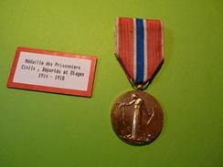 Médaille Des Prisonniers Civils, Déportés Et Otages De La Grande Guerre 1914-1918 - France