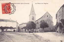 87. PEYRAT LE CHATEAU . CPA  . LA PLACE DE L'EGLISE. ANNÉE 1908. - France