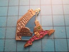 Pin510b Pin's Pins / Beau Et Rare : SPORT DE BARJO SAUT A L'ELASTIQUE VIADUC DE LA SOULEUVRE - Badges