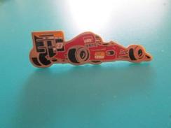 Pin510c Pin's Pins / Beau Et Rare : VOITURE DE F1 FORMULE 1 FERRARI    Marquage Au Dos : - ---  - - Car Racing - F1