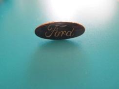 Pin510c Pin's Pins / Beau Et Rare :   LOGO DE LA MARQUE FORD  Marquage Au Dos : - ---  - - Ford