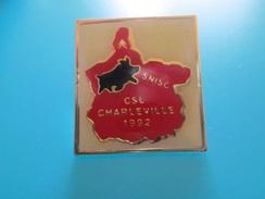 Pin510c Pin's Pins / Beau Et Rare :  CITROEN CHARLEVILLE 1992 COCHON SANGLIER   Marquage Au Dos : - ---  - - Citroën
