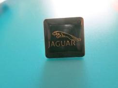 Pin510c Pin's Pins / Beau Et Rare :  LOGO DE LA MARQUE  JAGUAR  Marquage Au Dos : - ---  - - Jaguar