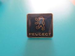 Pin510c Pin's Pins / Beau Et Rare :  LOGO DE LA MARQUE PEUGEOT LION DE SOCHAUX   Marquage Au Dos : - ---  - - Peugeot