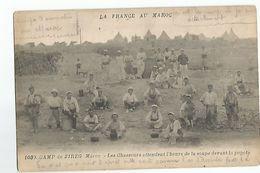 Militaire Camp De Zireg Au Maroc Les Chasseurs Attendent L'heure De La Soupe - Non Classificati