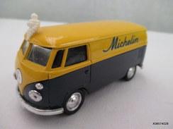 Voiture Miniature 1/43 Em  SOLIDO -V W Combi  Michelin  Peinture Jaune Et Noire D'origine  Etat Neuf - Toy Memorabilia