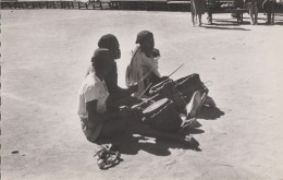 Afrique - Madagascar - Musiciens Baras - Madagascar